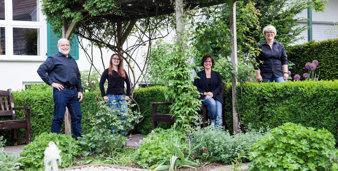 Das Team von AlbstadtLiebe im Rosengarten